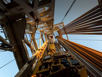 Transitioning Onshore Drilling Rigs to EPA Tier 4 Final Engines