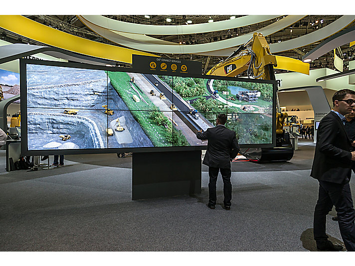 Interactive screens were used to showcase Caterpillar safety, productivity, and equipment management solutions at the 2016 show.