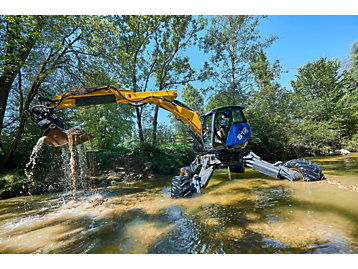 Kaiser's 'spider' excavator reaches new emission heights thanks to Perkins