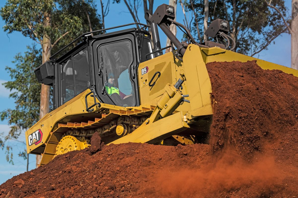 D5 goes beyond D6N with more power and added performance to get the job done. Stronger structures offer more durability and uptime, while a new purpose-built push arm dozer helps you take on heavier work.