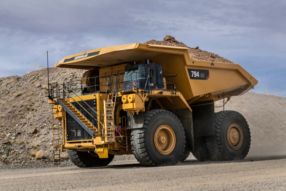 Cat 794 AC Tier 4 Final truck in mine trials