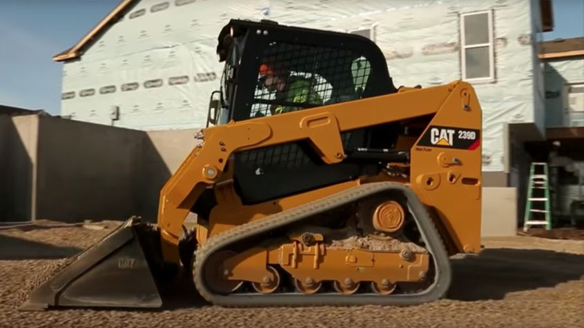 Cat® Skid Steer/Compact Track/Multi Terrain Loader Tip of the Month: Daily Maintenance