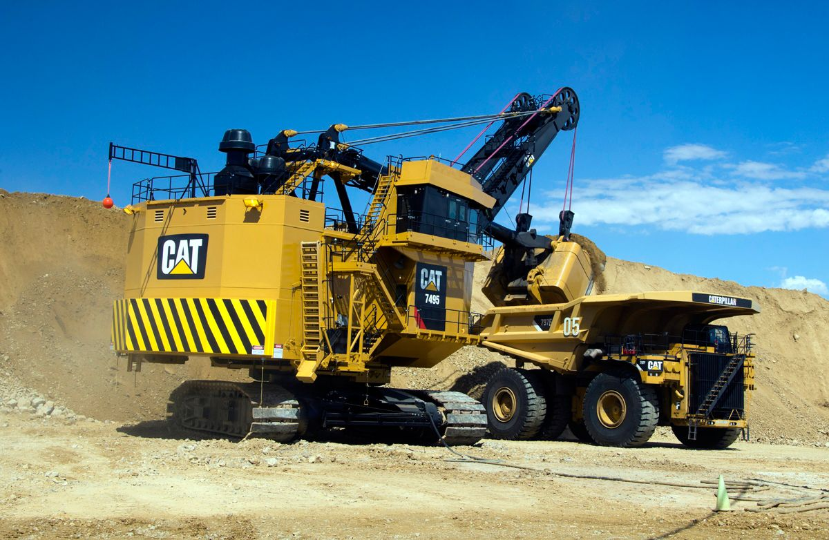 Cat 7495 Electric Rope Shovel loads Cat 797F Truck