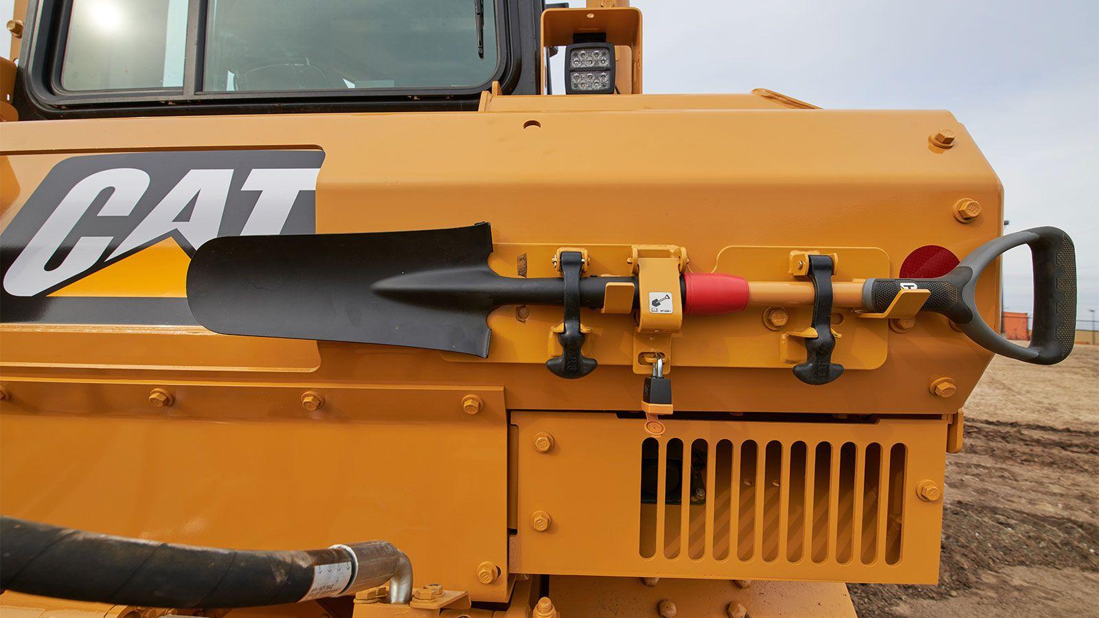Track spade and holder kit upgrade