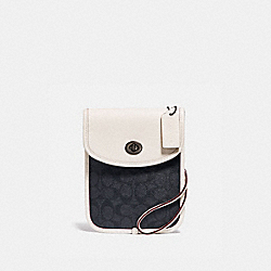 TURNLOCK FLAT CROSSBODY IN SIGNATURE CANVAS - CHARCOAL/ CHALK - COACH 103