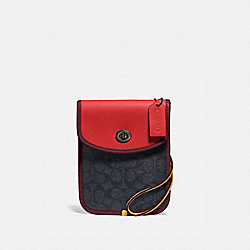 TURNLOCK FLAT CROSSBODY IN SIGNATURE CANVAS - CHRCL/ CARMINE/ CRNBRY RED - COACH 103