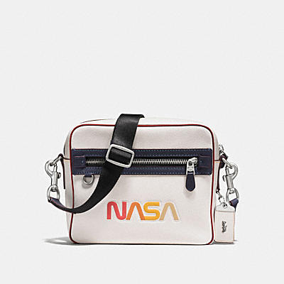 DYLAN IN GLOVETANNED PEBBLE LEATHER WITH NASA