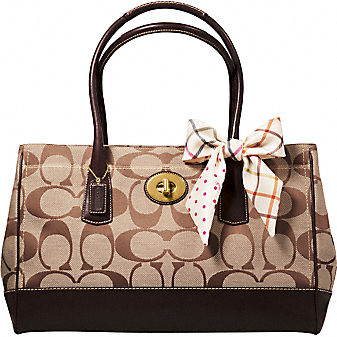 Coach Official Site - SIGNATURE BUSINESS MADELINE :  bags