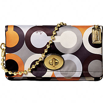 Coach Official Site - AMANDA GRAPHIC OP ART FOLDOVER FLAP