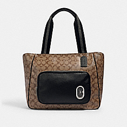 COURT TOTE IN SIGNATURE CANVAS WITH COACH PATCH - SV/KHAKI/BLACK - COACH 1708
