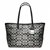 LEGACY WEEKEND SIGNATURE C MEDIUM ZIP TOP TOTE