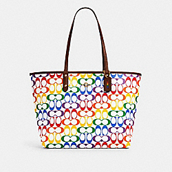 REVERSIBLE CITY TOTE IN RAINBOW SIGNATURE CANVAS - IM/CHALK MULTI - COACH 2463