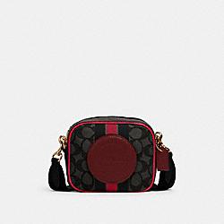 MINI DEMPSEY CAMERA BAG IN SIGNATURE JACQUARD WITH STRIPE AND COACH PATCH - IM/BLACK WINE MULTI - COACH 2635