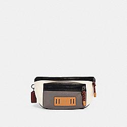 TERRAIN BELT BAG IN COLORBLOCK - QB/CHALK/HEATHER GREY/BURGUNDY - COACH 2663