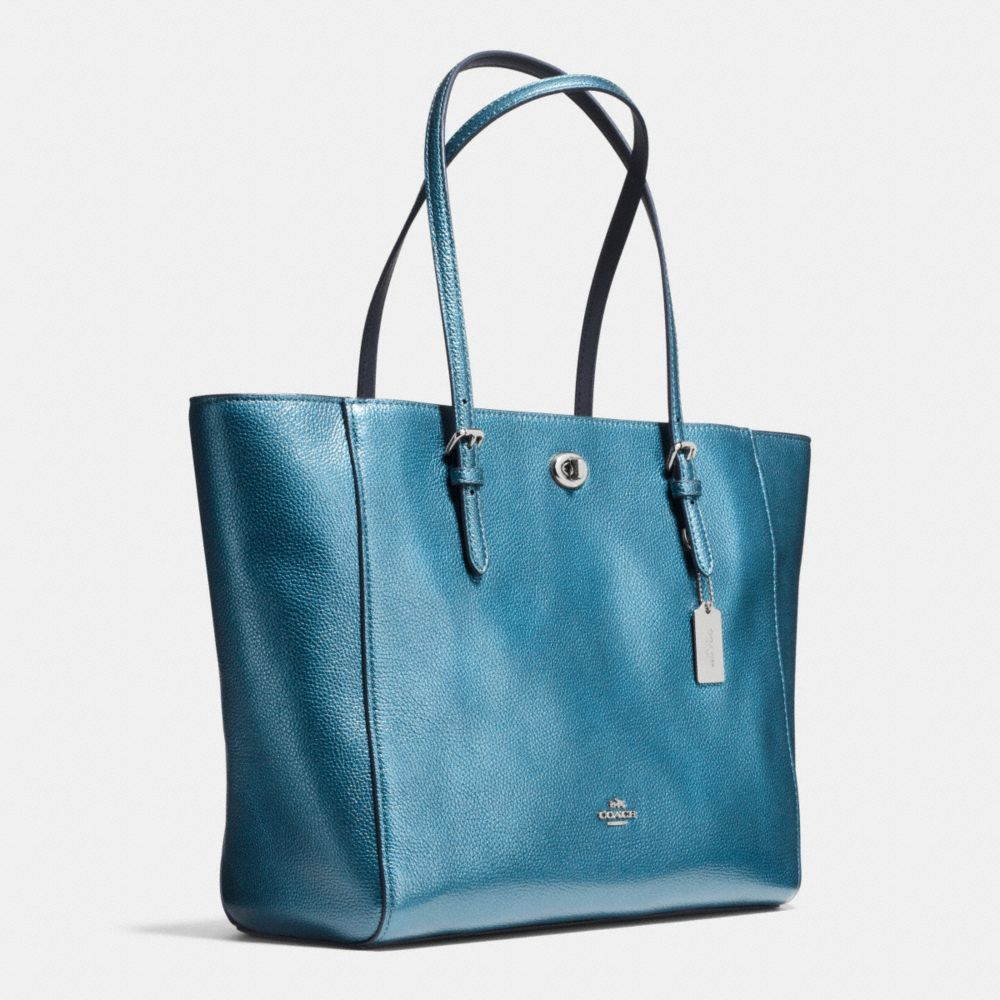 TURNLOCK TOTE IN METALLIC PEBBLE LEATHER - Alternate View A2