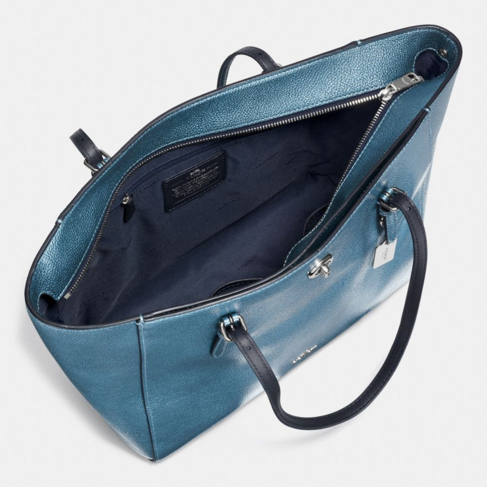 TURNLOCK TOTE IN METALLIC PEBBLE LEATHER - Alternate View A3