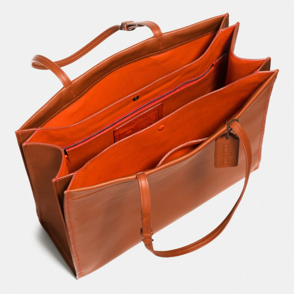 Skinny Tote in Glovetanned Leather - Alternate View A3