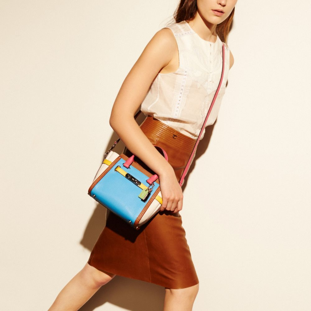 COACH SWAGGER 21 CARRYALL IN RAINBOW COLORBLOCK LEATHER - Alternate View A4