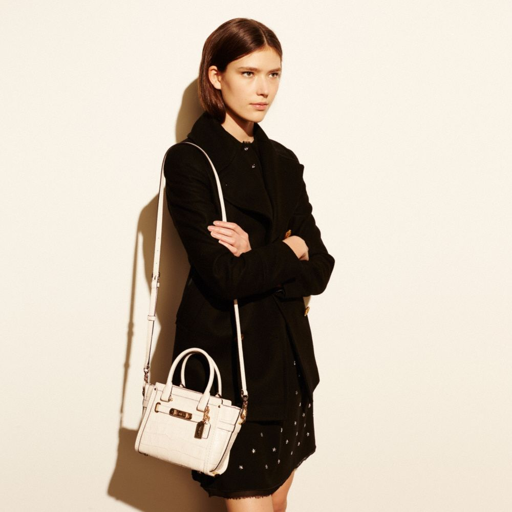 COACH SWAGGER 21 CARRYALL IN CROC EMBOSSED LEATHER - Alternate View A4