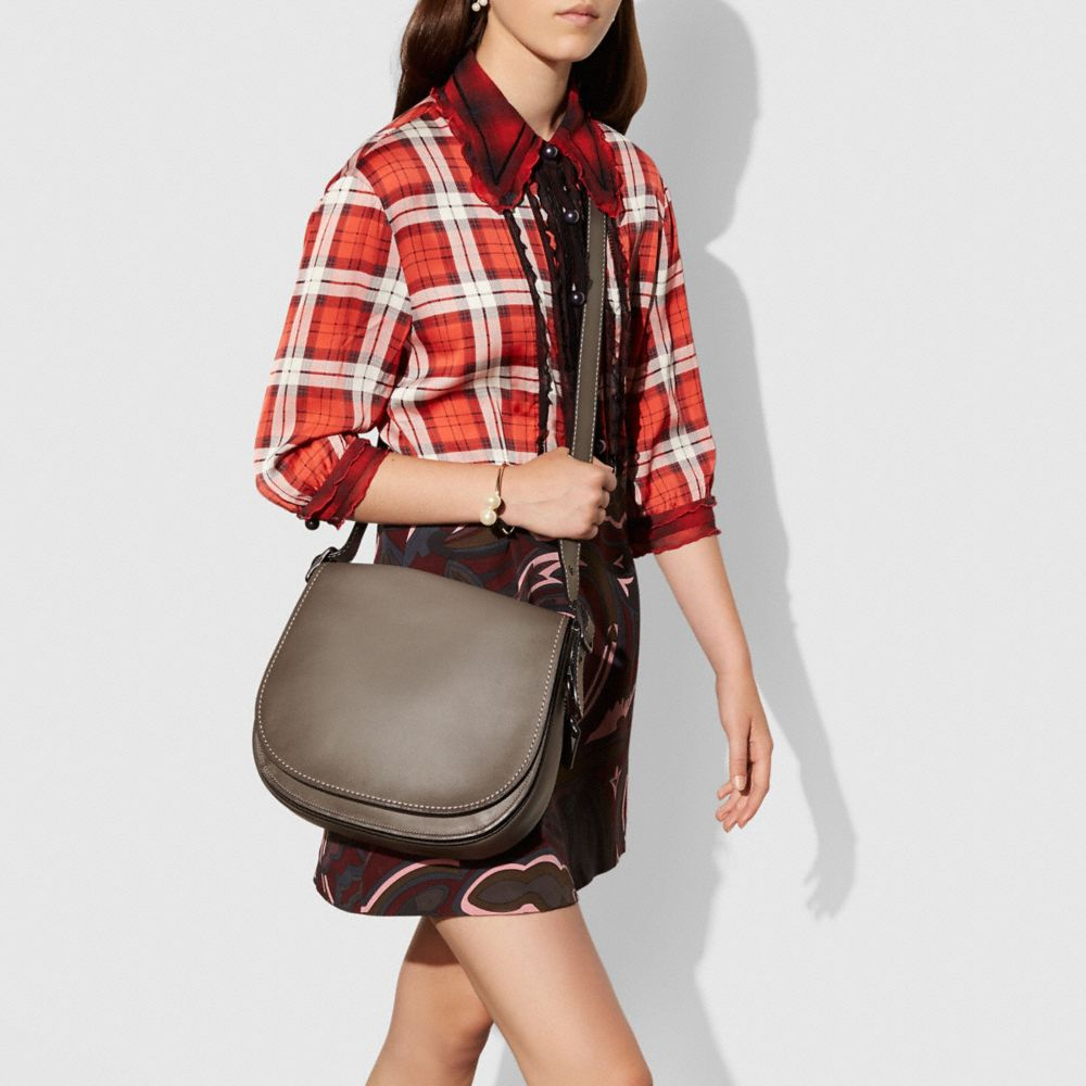 Coach Saddle Bag in Burnished Glovetanned Leather Alternate View 3