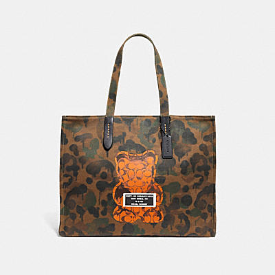 VANDAL GUMMY COACH EDITION TOTE 42