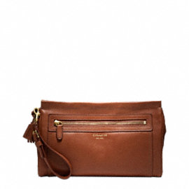 LEGACY LARGE CLUTCH IN LEATHER