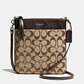 NORTH/SOUTH SWINGPACK IN SIGNATURE FABRIC