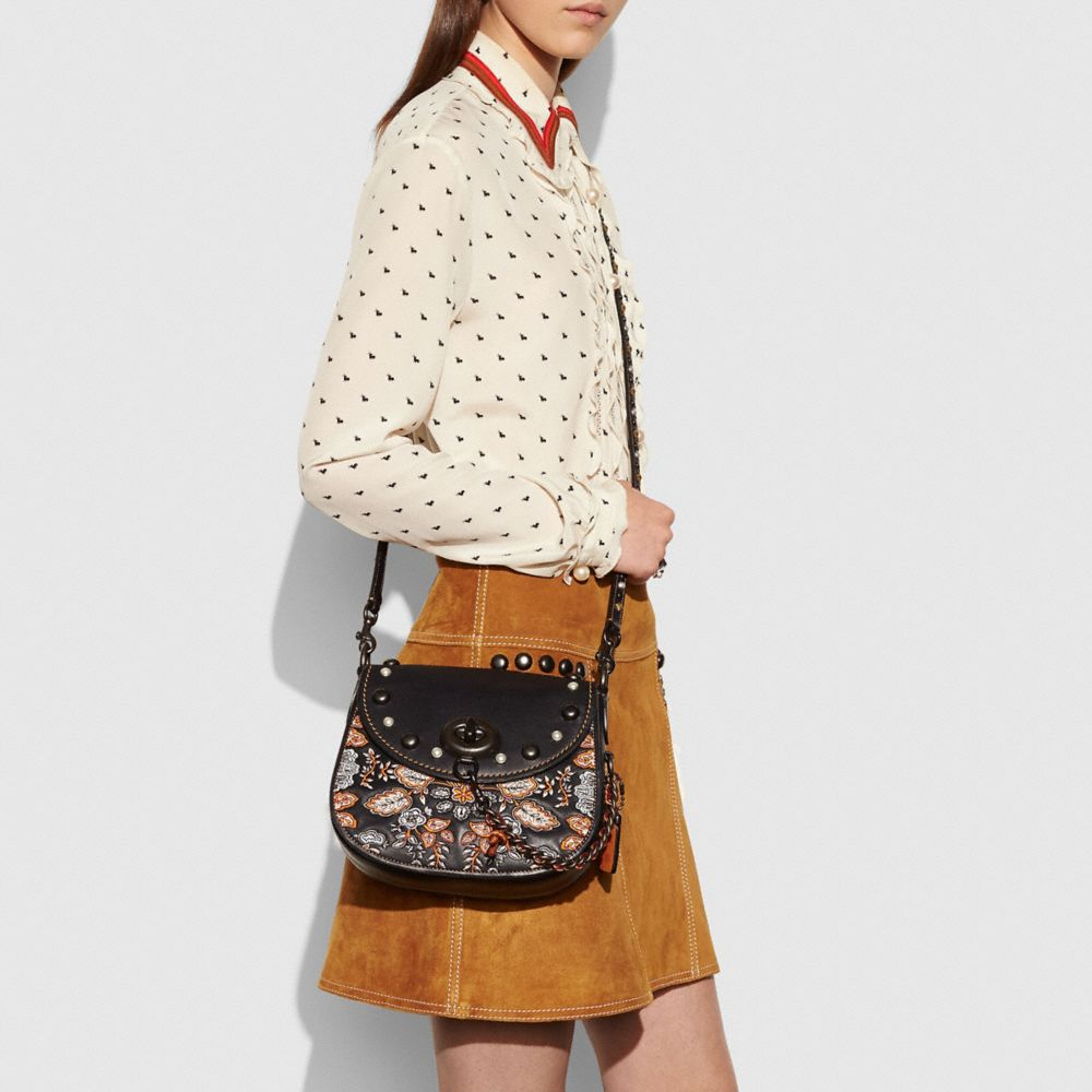 EMBELLISHED FOREST FLOWER TURNLOCK SADDLE BAG 23 IN GLOVETANNED LEATHER - Alternate View A3