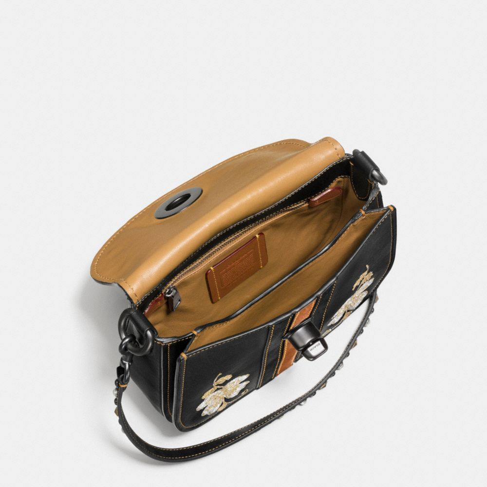 WESTERN EMBROIDERY TURNLOCK SADDLE BAG 23 IN GLOVETANNED LEATHER - Alternate View A2