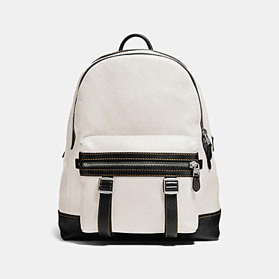 FLAG BACKPACK IN PEBBLE LEATHER