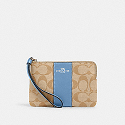 CORNER ZIP WRISTLET IN SIGNATURE CANVAS - SV/LIGHT KHAKI/SLATE - COACH 58035