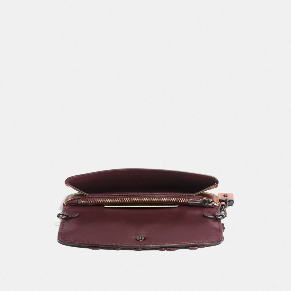 CLUTCH IN GLOVETANNED LEATHER WITH TEA ROSE - Alternate View