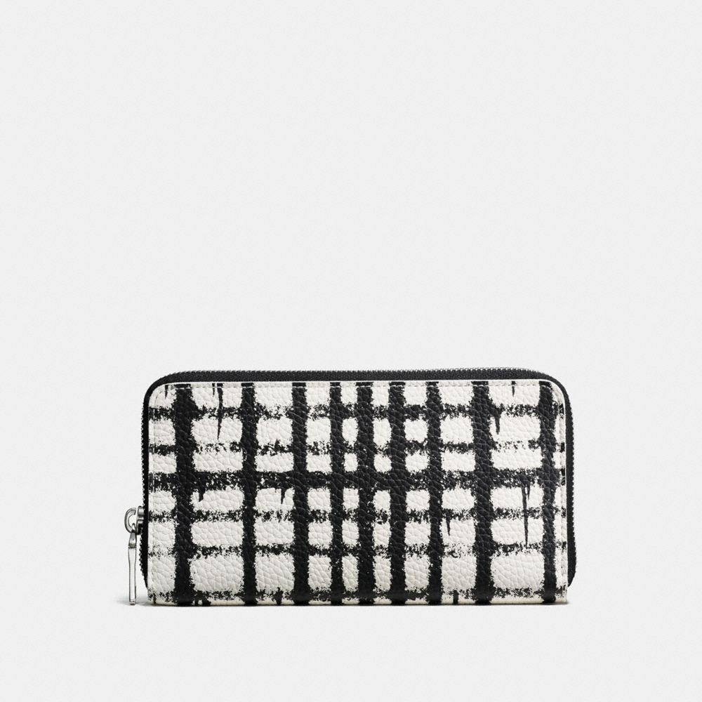 ACCORDION WALLET IN PEBBLE LEATHER WITH WILD PLAID PRINT