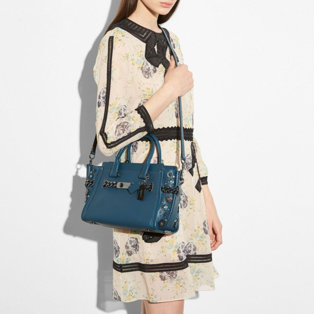 Coach Swagger 27 in Glovetanned Leather With Willow Floral Detail - Alternate View A3