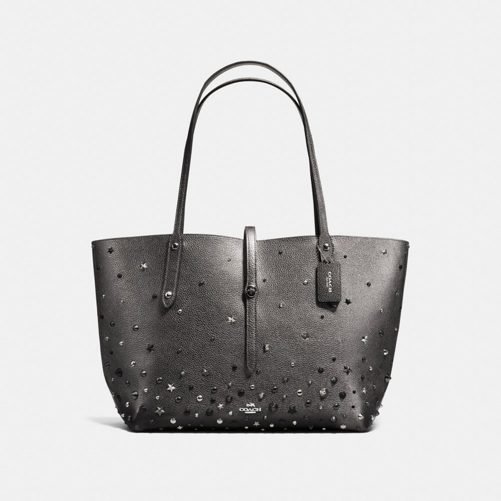 MARKET TOTE IN METALLIC LEATHER WITH STAR RIVETS