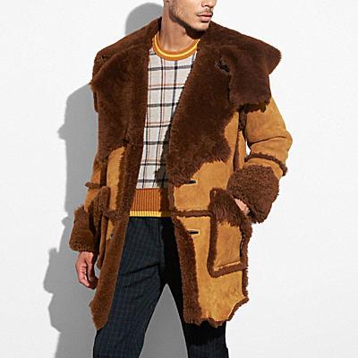 翻皮羊毛大衣