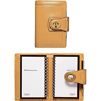 Coach Official Site - 3X5 MULTIFUNCTION SLIP JACKET :  leather coach planner agenda