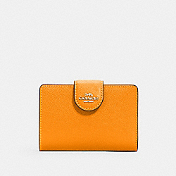 MEDIUM CORNER ZIP WALLET - IM/BUTTERSCOTCH - COACH 6390