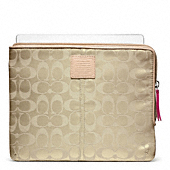 LEGACY WEEKEND NYLON L-ZIP IPAD SLEEVE