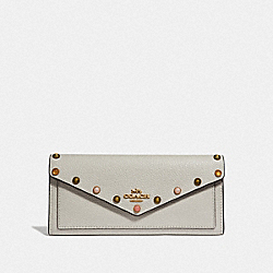 SOFT WALLET WITH RIVETS - CHALK/GOLD - COACH 67130