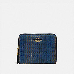 SMALL ZIP AROUND WALLET WITH QUILTING AND RIVETS - B4/DENIM - COACH 67159