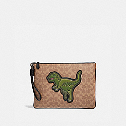 POUCH 30 IN SIGNATURE CANVAS WITH REXY - KHAKI - COACH 67909