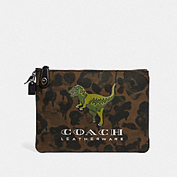 TURNLOCK POUCH WITH REXY - KHAKI - COACH 68251