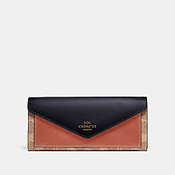 SOFT WALLET IN COLORBLOCK SIGNATURE CANVAS - TAN/INK LIGHT PEACH/BRASS - COACH 69828