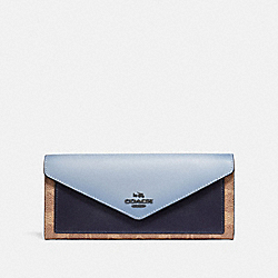 SOFT WALLET IN COLORBLOCK SIGNATURE CANVAS - V5/TAN MIST INK - COACH 69828