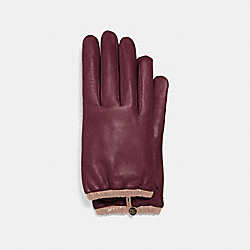 SCULPTED SIGNATURE GATHERED LEATHER TECH GLOVES - VINTAGE MAUVE - COACH 75535