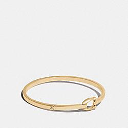 SIGNATURE HOOK BANGLE - GOLD - COACH 76025