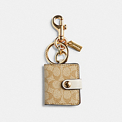 PICTURE FRAME BAG CHARM IN SIGNATURE CANVAS - IM/LIGHT KHAKI - COACH 77675