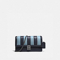 HUTTON CLUTCH WITH COLORBLOCK QUILTING - V5/MIDNIGHT NAVY MULTI - COACH 856