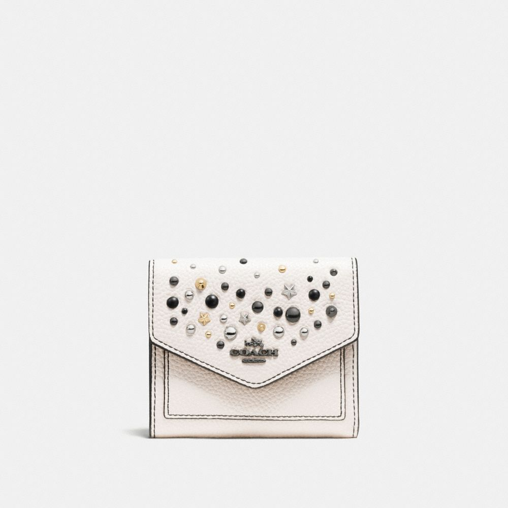 SMALL WALLET IN POLISHED PEBBLE LEATHER WITH STAR RIVETS